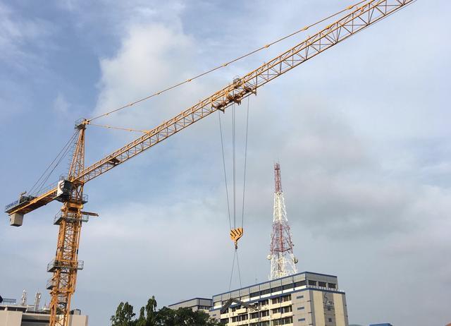 """""""海丝之路""""上建""""未来城市""""中联重科塔机斯里兰卡施工忙"""