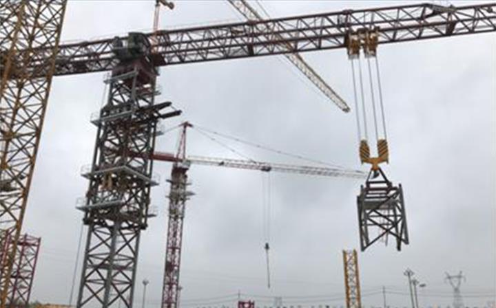 中联重科超大型塔机出口海外参建科威特国际机场施工项目