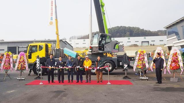 中联重科汽车起重机批量进入韩国打破壁垒发力中高端市场