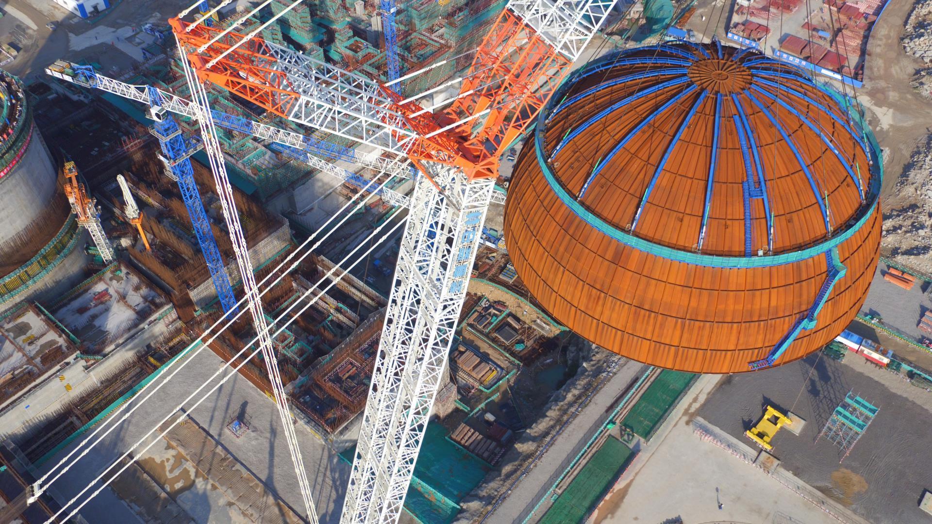 """中联重科3200吨起重机再为华龙一号穹顶成功""""加冕""""稳准妥!"""