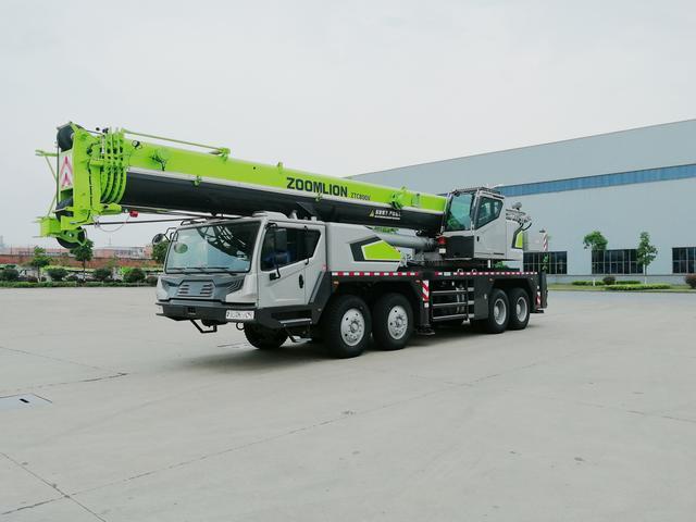 中联重科4.0汽车起重机亮相沙特助建225亿美元重点工程