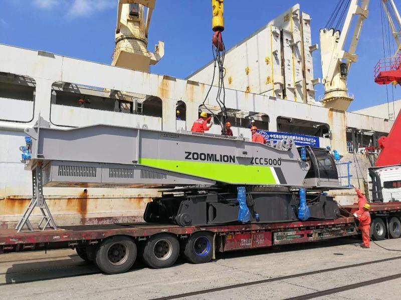 中国出口印尼最大吨位履带起重机出海中联重科为千岛之国基建增热