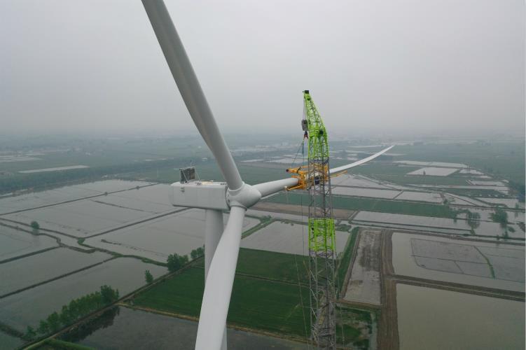152米!风电吊装突破新纪录!中联重科ZCC9800W起重机创造新高度